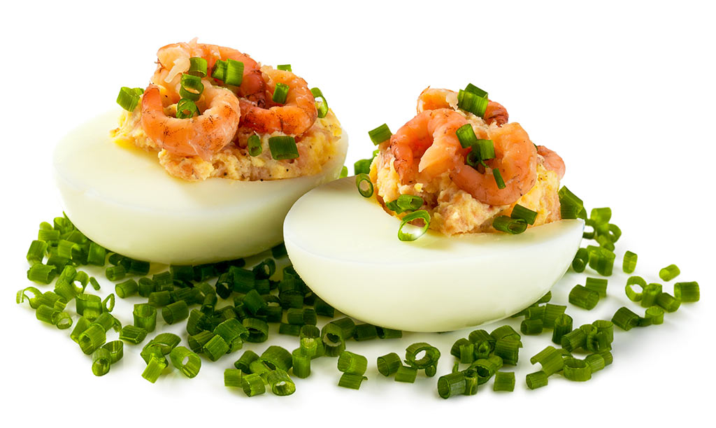 Eggs stuffed with crabs