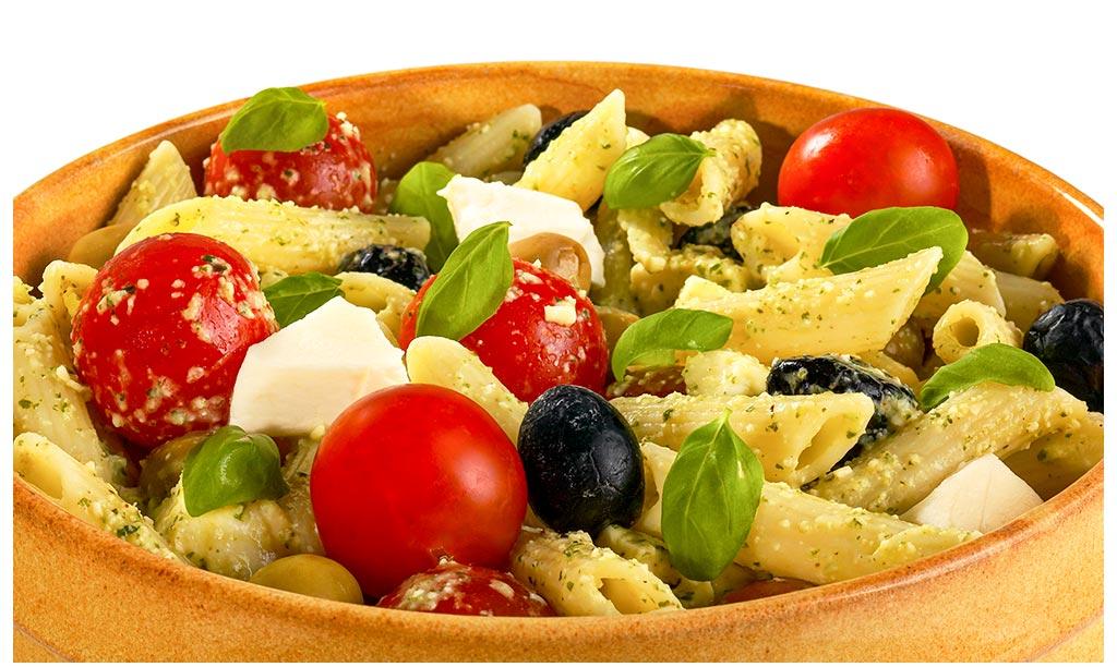 Noodle salad a la Caprese