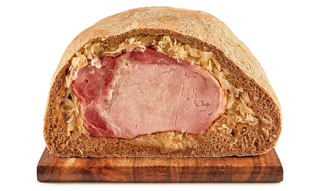Cassler in bread dough