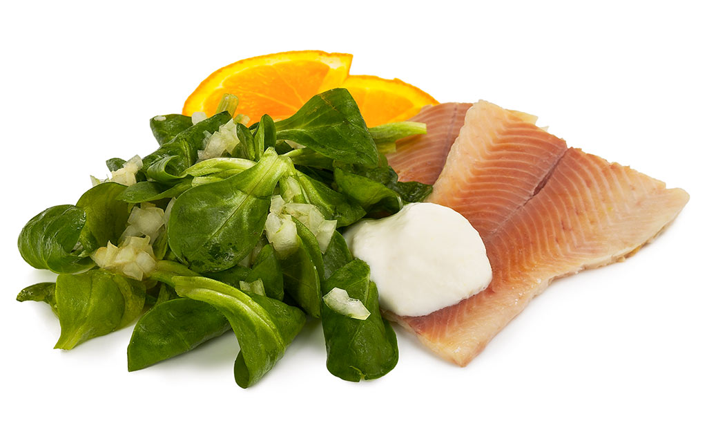 Field salad with trout fillet