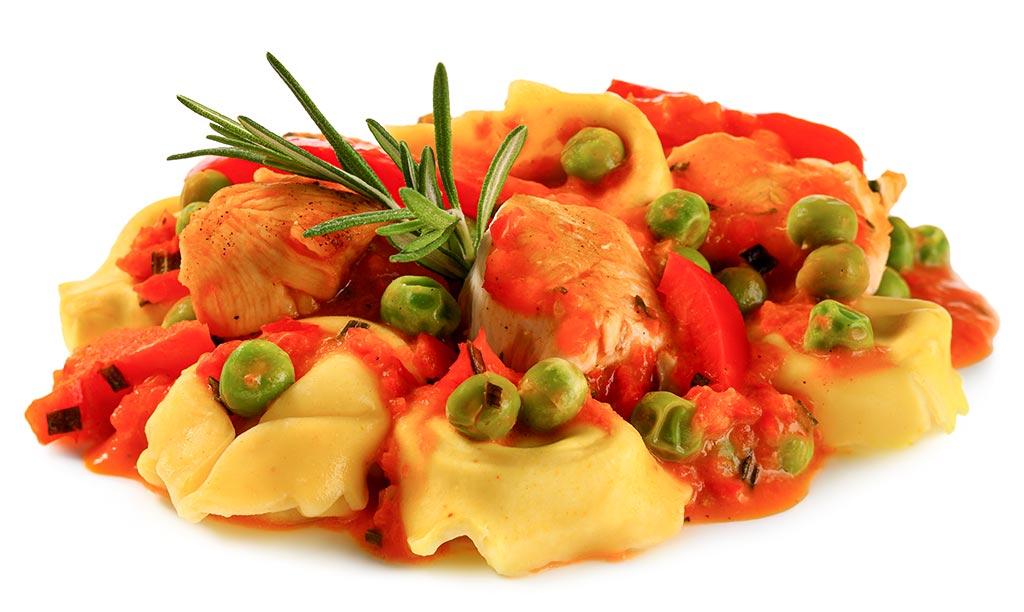 tortellini mit huhn paprika sauce rezept. Black Bedroom Furniture Sets. Home Design Ideas