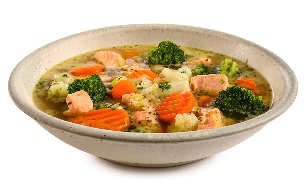 Vegetable soup with salmon