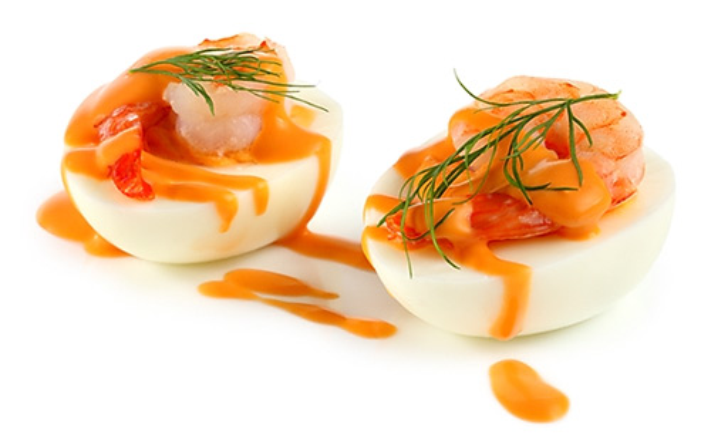 Stuffed eggs with prawns