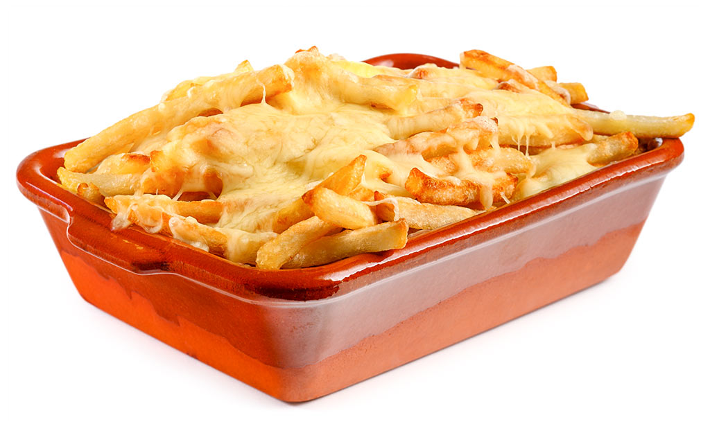 French fries au gratin with cheese