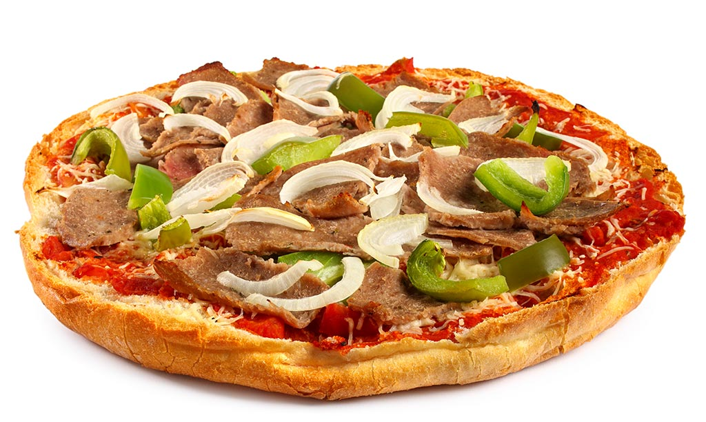 Flat bread pizza with kebab