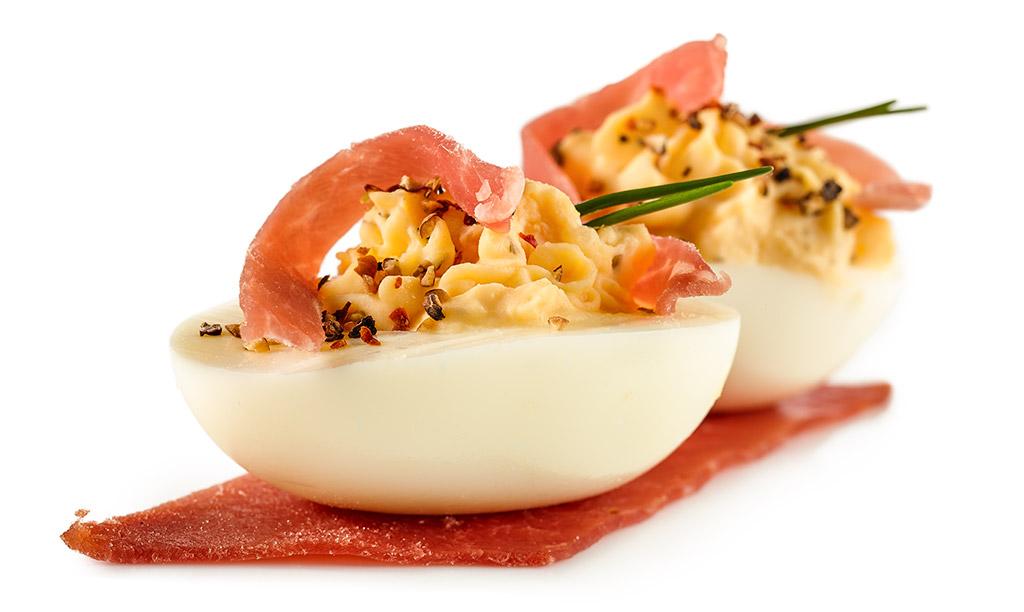 Gefüllte eier für kaltes buffet