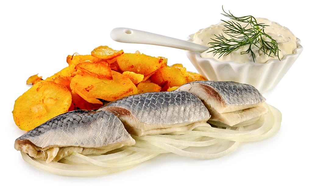 Bismarck herring with fried potatoes