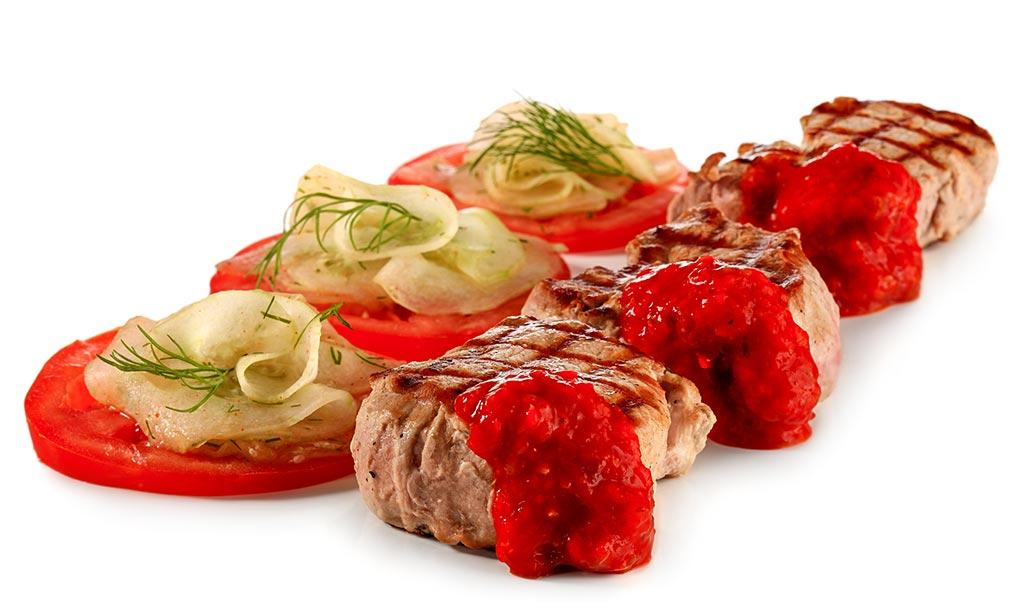 Pork fillet with cucumber tomato salad
