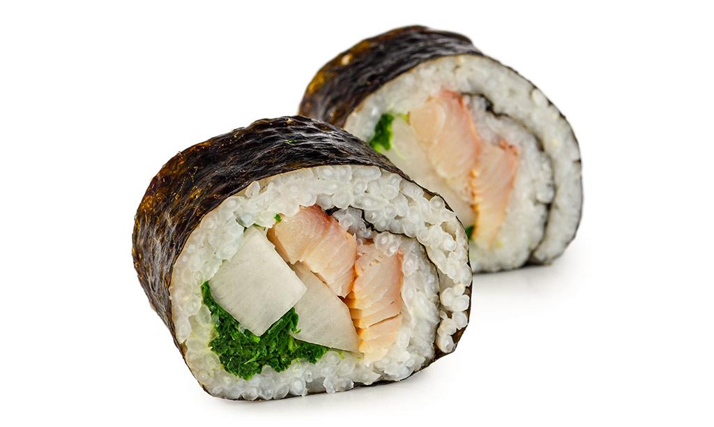 Futomaki Sushi with radish