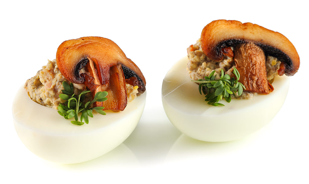 Stuffed eggs with mushrooms