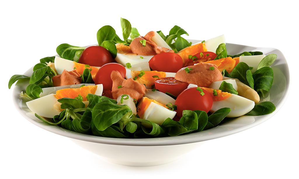 Rezept drucken eier salat mit tomaten sauce - Eier hart kochen zeit ...