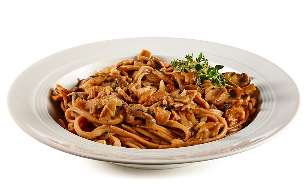 Wholemeal spaghetti with mushrooms