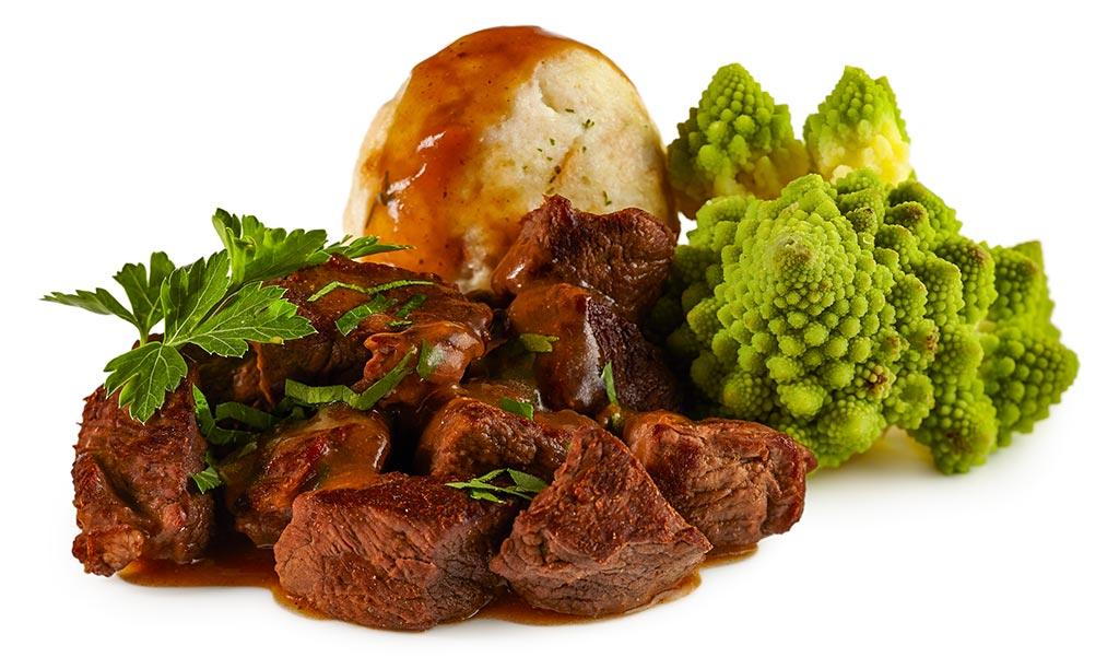 Deer goulash with romanesco & dumplings