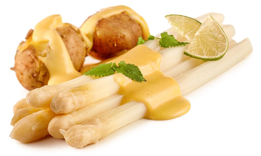 Asparagus with lime hollandaise