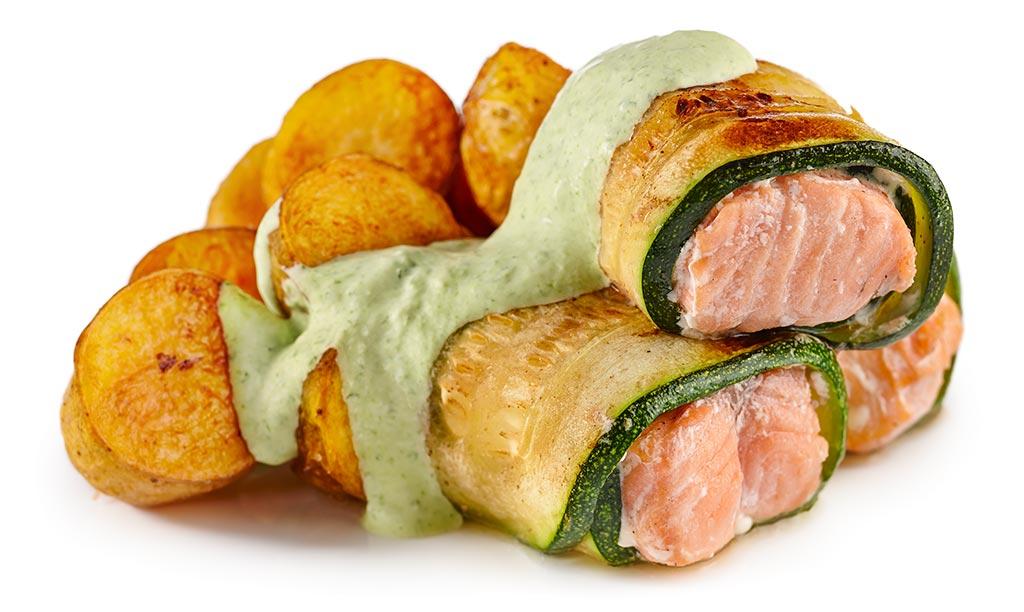 Zucchini salmon with green sauce