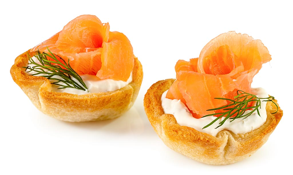 Croustades with salmon