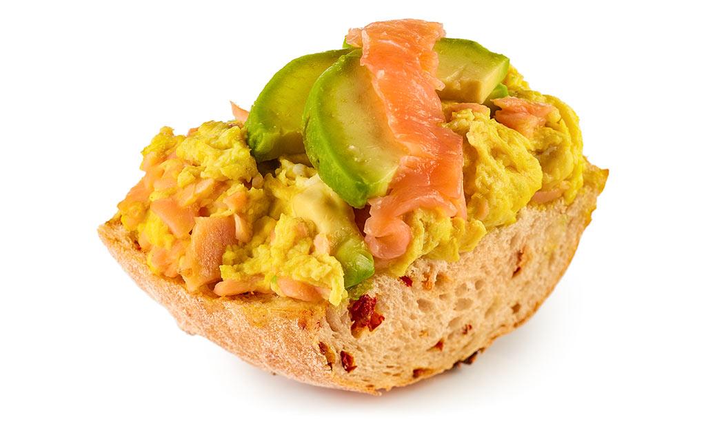 Avocado egg stirrer with salmon