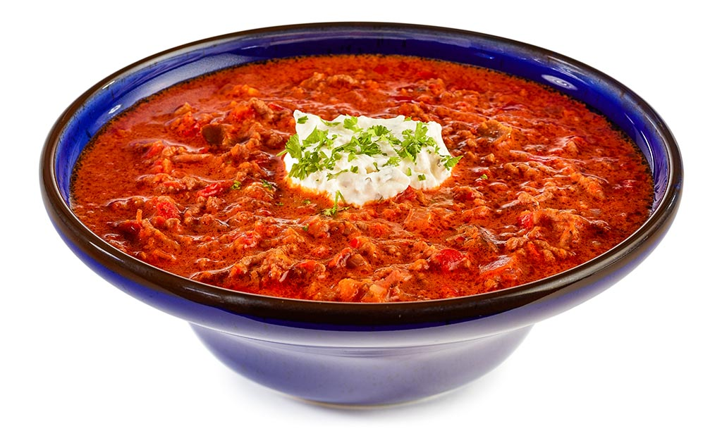 Ajvar soup with minced meat