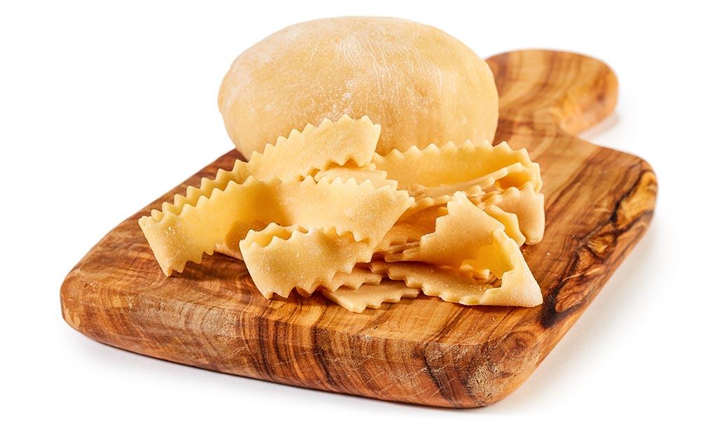 Italian eggs noodle dough