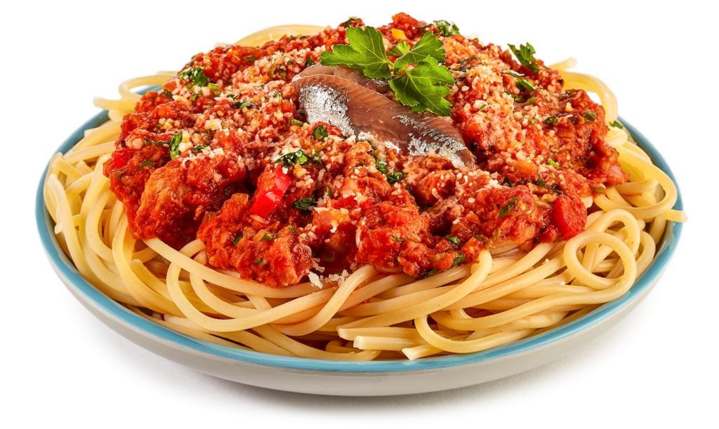 Spaghetti with tuna and anchovies
