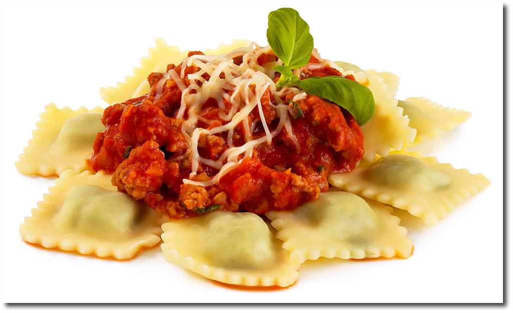 rezepte f r pasta mit fleisch ravioli mit hackfleisch so e. Black Bedroom Furniture Sets. Home Design Ideas