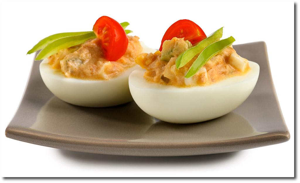 gef llte eier mit thunfisch salat rezept. Black Bedroom Furniture Sets. Home Design Ideas