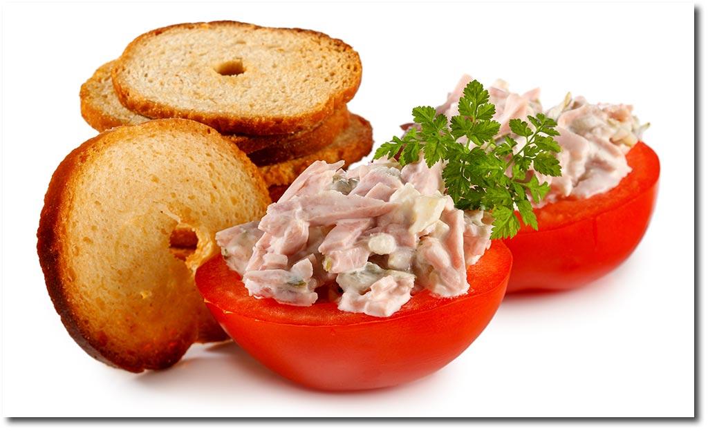 gef llte tomaten mit fleisch salat rezept. Black Bedroom Furniture Sets. Home Design Ideas