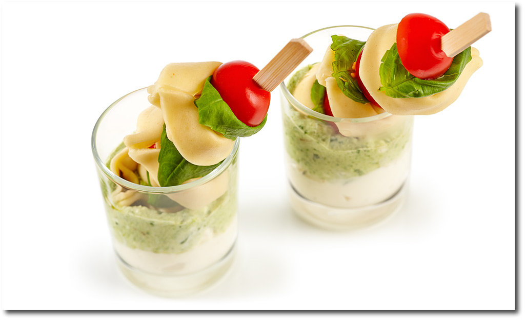 fingerfood rezepte party tortellini spie e mit pesto. Black Bedroom Furniture Sets. Home Design Ideas