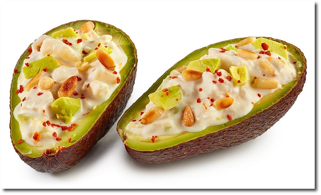Rezepte für Geflügel Salat: Gefüllte Avocado mit Geflügel Salat